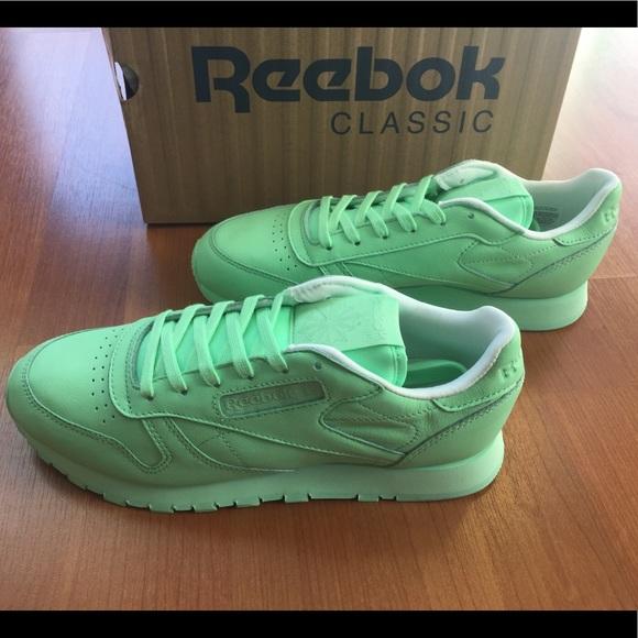 New Reebok Classic pastel mint green sneakers 8cc7b7dc6